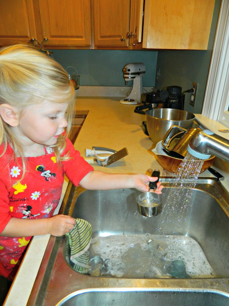 Cleaning up is apart of cooking #gingerbread cookies on ChildLedLife.com