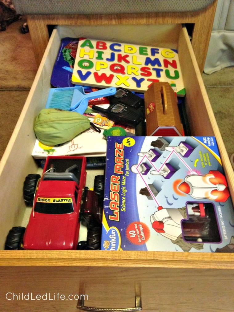 Prepared entertainment for kids using Montessori while traveling.